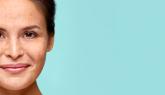 Salicylzuur: verfijnt de porien en egaliseert de huid